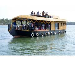 Valiyaparamba backwaters Bekal houseboat tourism