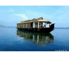 Houseboats vacations in Kerala