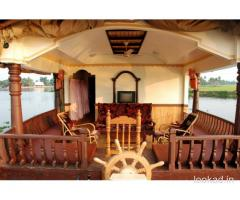 Kerala private houseboat rentals
