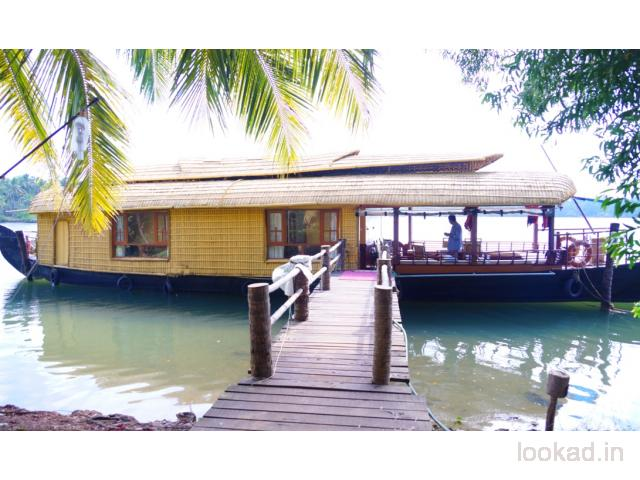 pet friendly houseboat rentals Kerala