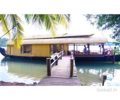boat house stay in Kerala