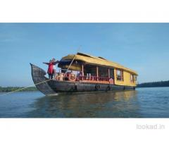 most famous tourist places in kerala